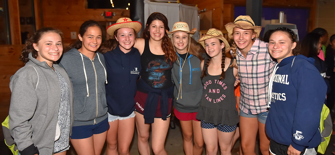 western theme day at camp, girls wearing cowgirl hats